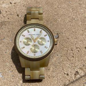 Michael Kors Jet Set Gold Resin Womens Watch ZW140